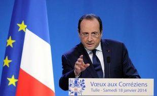 La cote de popularité de François Hollande n'a pas bougé, restant à un très bas niveau (22%) alors que celle de Jean-Marc Ayrault progresse de 2 points à 26%, selon le baromètre mensuel Ifop pour le Journal du Dimanche.