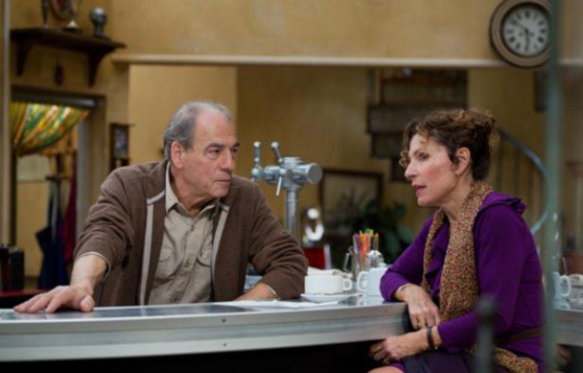 """Michel Cordes (Roland) et Sylvie Flepp (Mirta) dans la série """"Plus belle la vie"""". – Fabien Malot"""