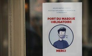 Affiche annonçant le port du masque obligatoire, le 9 octobre à Lille (photo d'illustration).