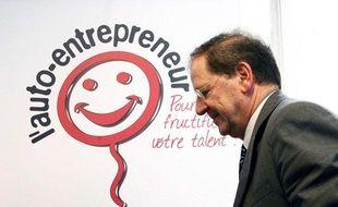Hervé  Novelli, ancien Ministre du Commerce,  de l'Artisanat, des PME, du Tourisme  des  Services  et de la  Consommation lors du lancement en juin dernier de la quinzaine de   l'Auto-entrepreneur organisee par l'UAE et la  Mairie du 15eme. Paris,   FRANCE, 14/06/201