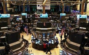 Les bonus des salariés de Wall Street ont reculé d'environ 25% en 2011 par rapport à l'année précédente, selon une estimation publiée lundi par une agence indépendante de New York.