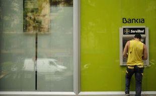 La maison-mère de Bankia, Banco Financiero y de Ahorro (BFA), a annoncé lundi des pertes consolidées de 3,318 milliards d'euros en 2011, dans un communiqué adressé aux autorités boursières espagnoles.