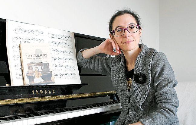 Céline Raphaël, à son domicile de Villejuif (Val-de-Marne), mercredi.