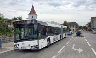 Ligne de bus 4 à Hoenheim, le 11 juin 2018.