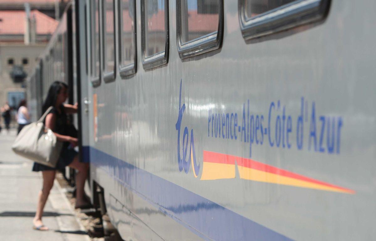 Un train TER en gare de Marseille.  – PATRICE MAGNIEN