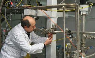 Un inspecteur de l'AIEA sur le site de la centrale nucléaire iranienne de Natanz, le 20 janvier 2014