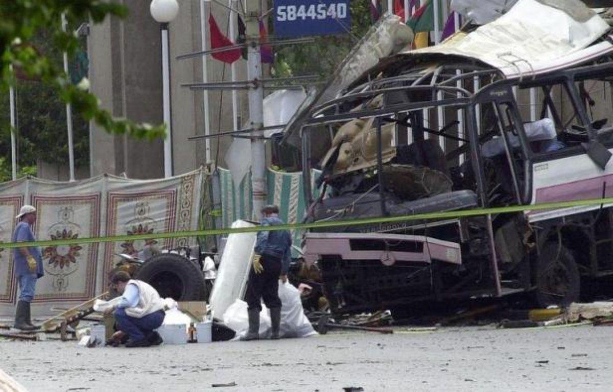 Dix ans après l'attentat de Karachi le 8 mai 2002, l'intermédiaire en contrats d'armement Ziad Takieddine doit de nouveau être auditionné mercredi, dans le volet financier de ce dossier, à propos d'importants retraits en espèce sur des comptes étrangers entre 1994 et 1996. – Aamir Qureshi afp.com