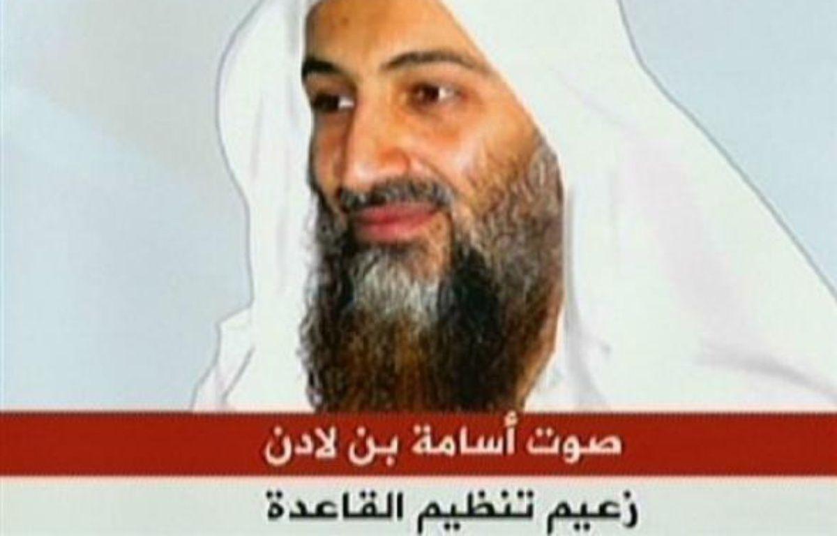 """Le chef d'Al-Qaïda Oussama ben Laden a accusé des pays arabes de """"complicité"""" avec Israël et ses alliés occidentaux lors de la récente offensive de l'Etat hébreu dans la bande de Gaza, selon un enregistement diffusé samedi par la chaine de télévision Al-Jazira. –  AFP/Al-Jazira/Archives"""