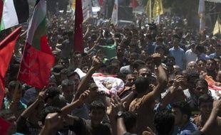 Funérailles à Gaza le 9 juillet 2014 de six membres d'une même famille tués par l'aviation israélienne qui n'a donné que quatre minutes avant de pulvériser leur immeuble