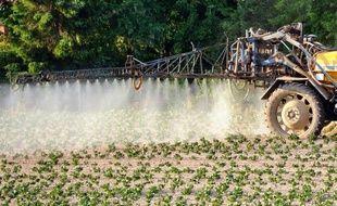 L'Institut national de veille sanitaire (INVS) a publié lundi une étude reflétant l'exposition de la population française aux pesticides qui, pour la famille d'insecticides la plus utilisée, se révèle être plus élevée qu'en Allemagne ou en Amérique du Nord.