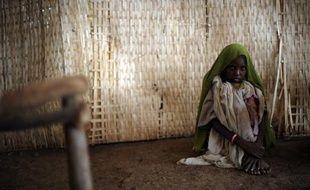 Des milliers de vies et des millions d'euros auraient pu être épargnés si la communauté internationale avait réagi à temps, dès les premières alertes, à la famine dans l'est de l'Afrique, selon un rapport des ONG Oxfam et Save the Children publié mercredi à Londres.