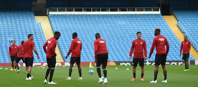Les joueurs lyonnais ont découvert ce mardi, tout comme leur président, l'Etihad Stadium de Manchester City.
