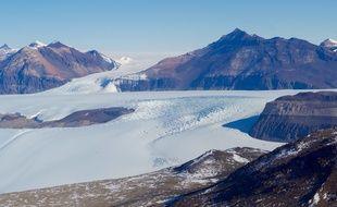 Un glacier situé à proximité de la base américaine McMurdo, en Antarctique.
