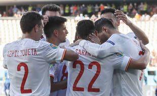 La joie des Espagnols après le but de Pablo Sarabia, le troisième sur les cinq passés aux Slovaques ce mercredi à Séville.