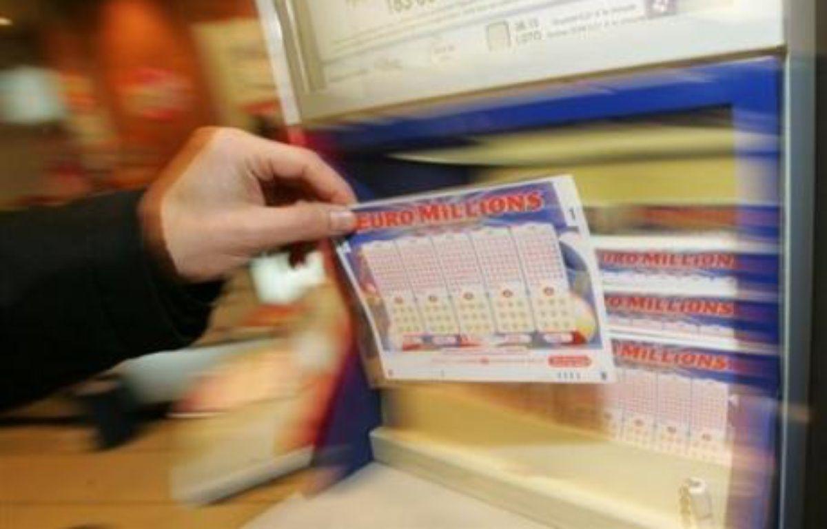 Quinze joueurs européens se partagent la cagnotte du Super Euro Millions dont le tirage a eu lieu vendredi soir et vont empocher chacun 9,2 millions d'euros, a annoncé la Française des Jeux (FDJ) à l'AFP. – Mehdi Fedouach AFP/Archives