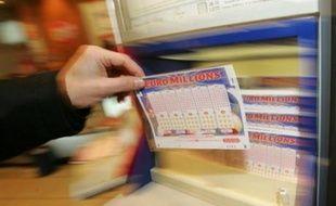 Quinze joueurs européens se partagent la cagnotte du Super Euro Millions dont le tirage a eu lieu vendredi soir et vont empocher chacun 9,2 millions d'euros, a annoncé la Française des Jeux (FDJ) à l'AFP.