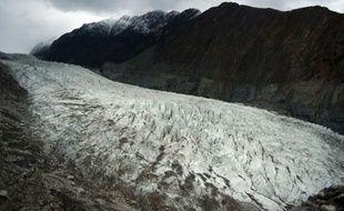 Photo prise le 28 septembre 2015 du glacier Passu, au portes de la Chine, au Pakistan