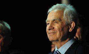 Un ancien dirigeant des Serbes de Bosnie, Momcilo Krajisnik, a été accueilli vendredi soir en héros par plusieurs milliers de ses partisans dans son fief de Pale où il est arrivé après sa remise en liberté, après avoir purgé deux tiers d'une peine de 20 ans de prison pour crimes de guerre.