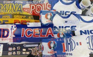 Près de 4.000 objets de contrefaçon ont été saisis à Nice pendant l'Euro 2016.