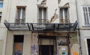 Cet immeuble situé dans le 6e arrondissement de Marseille inquiète les voisins.