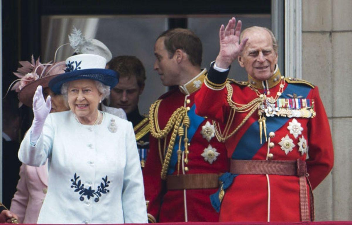 La reine Elizabeth II et le Prince Philip à Buckingham en juin 2014.  – SIPANY/SIPA