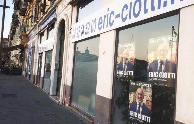 La permanence d'Eric Ciotti (LR) est installée sur le port de Nice.