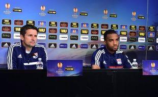 L'entraîneur de l'OL Rémi Garde et l'attaquant Alexandre Lacazette en conférence de presse avant leur match contre la Juventus