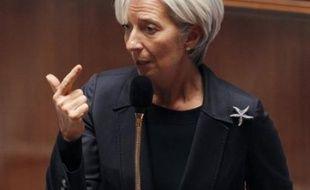 Les mesures liées au surendettement de la loi Lagarde sur le crédit à la consommation, adoptée par le Parlement en juin, sont entrées en vigueur ce lundi, permettant à un ménage surendetté sur six de retrouver une situation financière un peu plus normale.