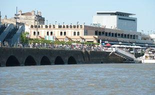 Bordeaux, 13 mai 2012. Un Starbucks va ouvrir le 30 novembre une nouvelle boutique sur le quai des Marques.