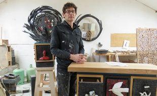 Le sculpteur Thierry Laudren est installé depuis 22 ans à la cité Pierre Louaïl.