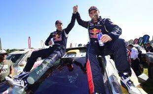 Stéphane Peterhansel célèbre sa victoire sur le Dakar 2016, le 16 janvier à Rosario.