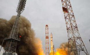 Le décollage de la fusée Proton qui a propulsé la sonde ExoMars 2016, le 14 mars 2016, depuis Baikonour (Kazakhstan).