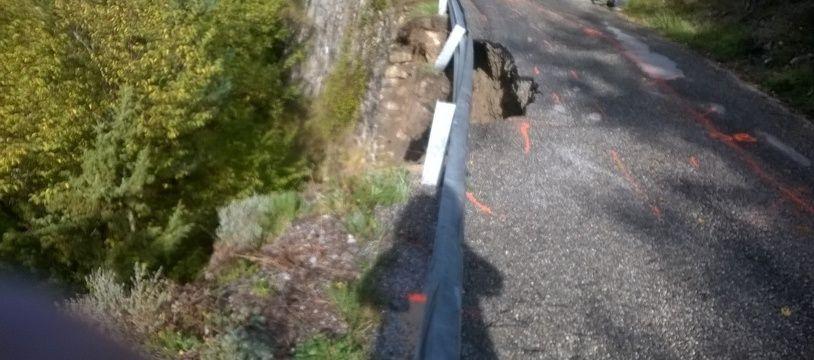 Une partie de la route de Saorge s'est effondrée pendant les intempéries.