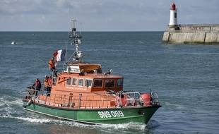 Un bateau de la SNSM aux Sables d'Olonne, le 10 juin 2019, trois jours après la mort de trois sauveteurs.