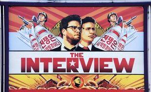 """L'affiche du film """"L'Interview qui tue!"""" sur un cinéma à Los Angeles le 25 décembre 2014"""