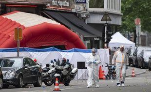 La police scientifique sur le boulevard d'Avroy, où a eu lieu l'attaque.
