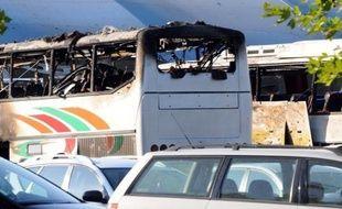 L'attentat anti-israélien en Bulgarie, qui a entraîné mercredi la mort d'au moins huit personnes, selon un nouveau bilan, a été commis par un kamikaze, a annoncé jeudi le ministre bulgare de l'Intérieur, Tsvetan Tsvetanov, sur place à l'aéroport de Bourgas , au bord de la Mer Noire.