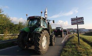 Des tracteurs arrivent sur la rocade de Rennes, le 2 septembre 2015.