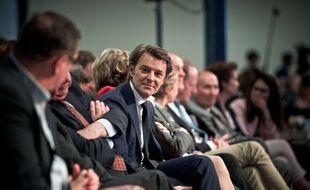 François Baroin (au centre), directeur de la campagne Les Républicains pour les élections législatives de juin 2017, le 20 mai 2017 à Paris.