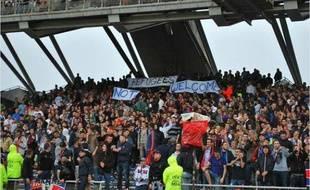 La banderole a été déployée en trois morceaux samedi lors de Lyon-Lille, dans le virage sud de Gerland. Capture d'écran