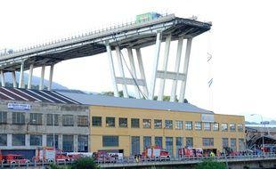 Le pont Morandi s'est effondré mardi 14 août 2018, avec une rupture nette de sa structure.