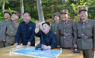 Illustration de Kim Jong-Un assistant à des essais militaires, fournie par la KCNA le 22 mai 2017.