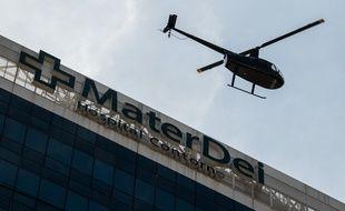 L'hélicoptère quitte l'hôpital avec Neymar à son bord.