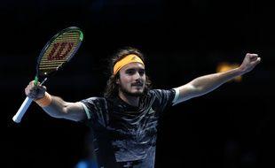 Stefanos Tsitsipas deuxième qualifié pour les demies du Masters.