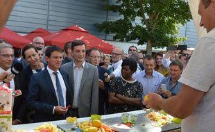 Manuel Valls est reparti de la Foire européenne les bras chargés d'un certain nombre de cadeaux, dont ce presse-citron.