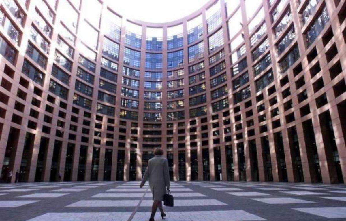 A peine trouvé la semaine dernière après trente ans de blocage, l'accord sur un brevet unique européen s'est heurté mardi à une fronde des eurodéputés, soutenue par la Commission, qui relance les négociations sur ce dossier difficile. – Gerard Cerles afp.com