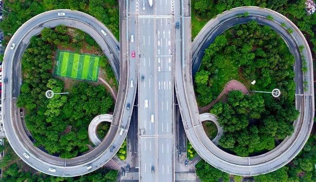 Un terrain de foot étrange en Chine