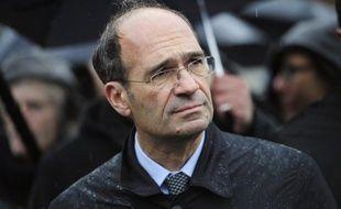 Le procureur général près la Cour de cassation Jean-Louis Nadal a annoncé avoir saisi mardi la commission des requêtes de la Cour de justice de la République (CJR) du cas d'Eric Woerth, qu'il soupçonne de favoritisme et de prise illégale d'intérêts lors de la cession de l'hippodrome de Compiègne.