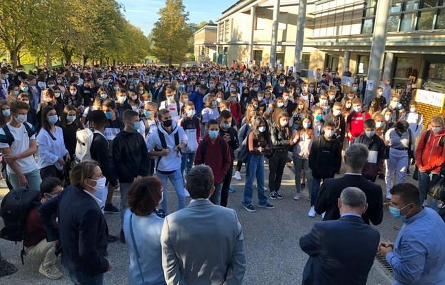 Laurent Wauquiez s'est exprimé ce mardi devant 560 élèves de seconde du lycée René Descartes à Saint-Genis-Laval (Rhône).