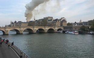 Notre Dame en flamme